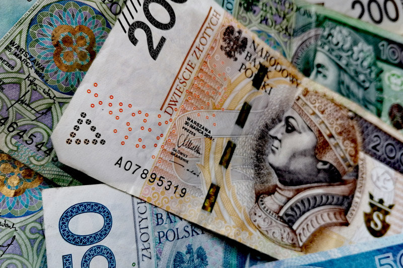Pożyczki Pozabankowe – z ratą miesięczną czy na 30 dni?